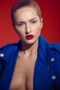 Red blue Editorial | מרינה מושקוביץ