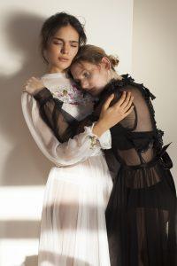 two sisters | מרינה מושקוביץ