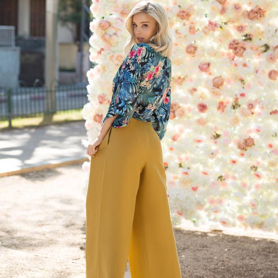 מרינה דומרק למגזין נשים | מרינה מושקוביץ | צילום אופנה, ביוטי ותכשיטים